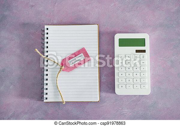 étiquette, women-owned, business, calculatrice, égalité, bureau, rose, soutenir, bloc-notes - csp91978863
