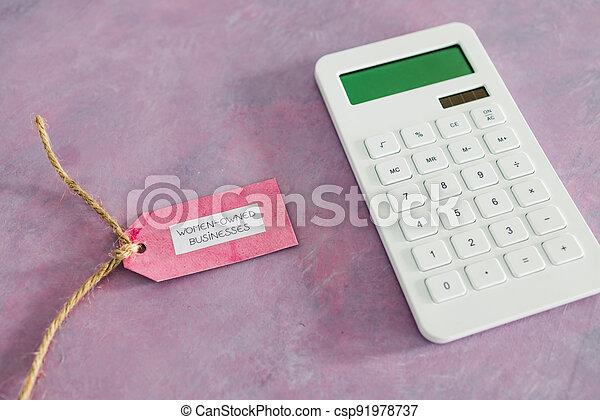étiquette, women-owned, business, calculatrice, égalité, bureau, rose, soutenir - csp91978737