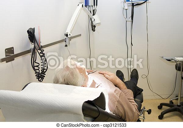 attendre mâle, patient, traitement - csp3121533