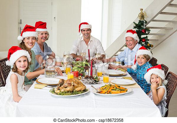 avoir, repas noël, santa, chapeaux, famille, heureux - csp18672358