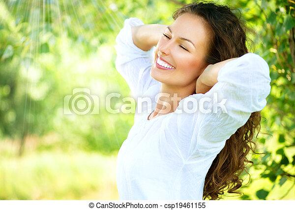 beau, jouir de, femme, nature, outdoor., jeune - csp19461155