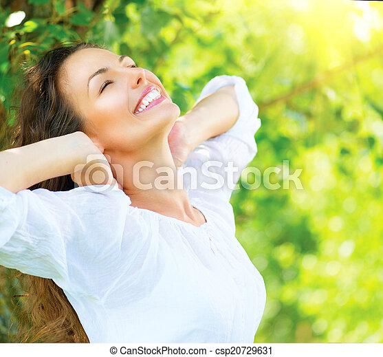 beau, jouir de, femme, nature, outdoor., jeune - csp20729631