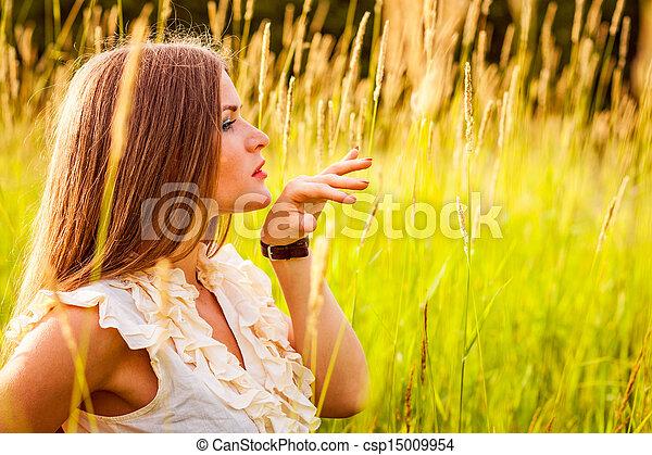 beau, portrait, femme, parc, jeune - csp15009954