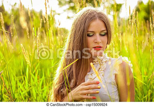 beau, portrait, femme, parc, jeune - csp15009924