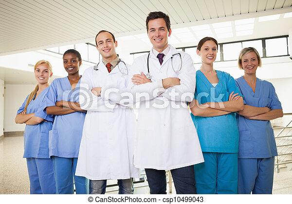 bras, médecins, infirmières, traversé - csp10499043