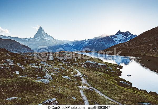 célèbre, alps., scénique, environs, endroit, emplacement, suisse, pic, matterhorn. - csp64893847