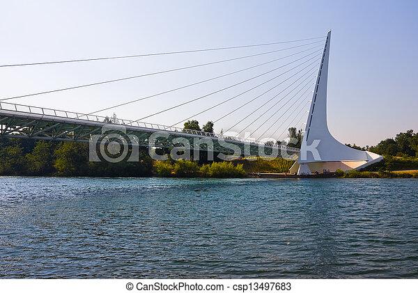 cadran solaire, pont - csp13497683