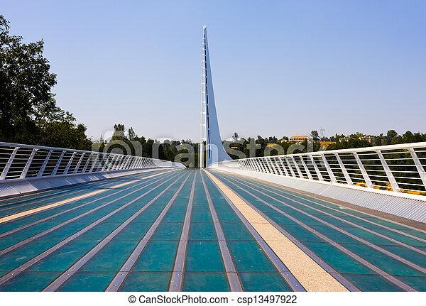 cadran solaire, pont - csp13497922