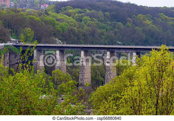 campagne, pont, sur, rivière, vieux - csp56880840