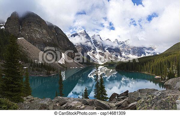 canada, banff parc national, lac, moraine, alberta - csp14681309
