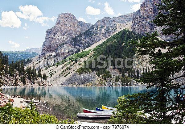 canada, banff parc national, lac, moraine, alberta - csp17976074