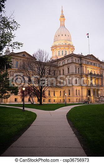 capital, nuit, michigan, en ville, chutes, bâtiment, lansing, horizon ville - csp36756973