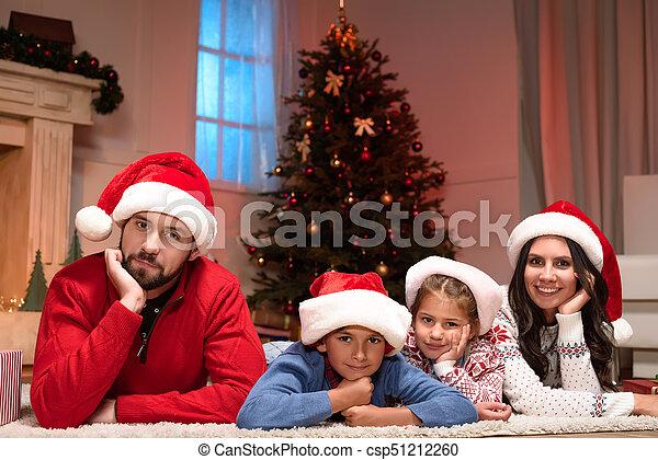 chapeaux, famille, santa, heureux - csp51212260