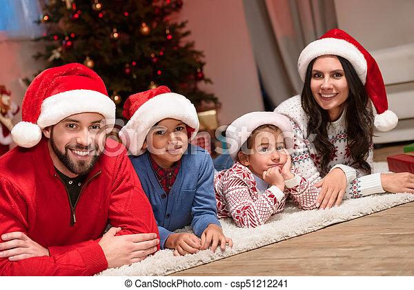 chapeaux, famille, santa, heureux - csp51212241