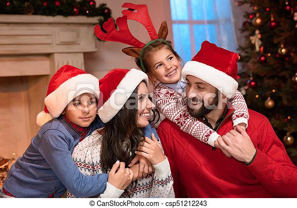 chapeaux, famille, santa, heureux - csp51212243