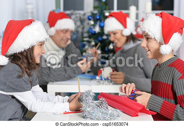 chapeaux, famille, santa - csp51653074