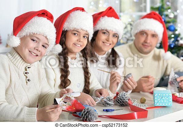 chapeaux, famille, santa - csp52173152