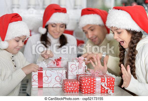 chapeaux, famille, santa - csp52173155