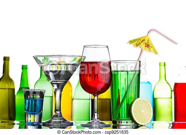 cocktails, différent, barre, alcool, boissons - csp9251635