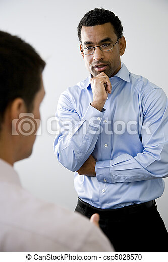 collègue, ouvrier, mi-adulte, écoute, bureau - csp5028570