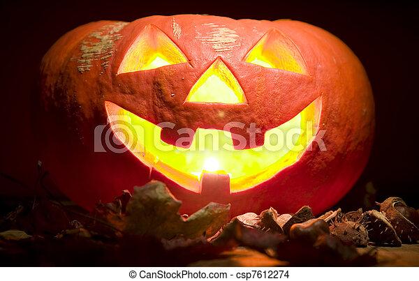 Bouche Citrouille Halloween.Concept Halloween Terrifiant Bouche Bougie Citrouille Canstock