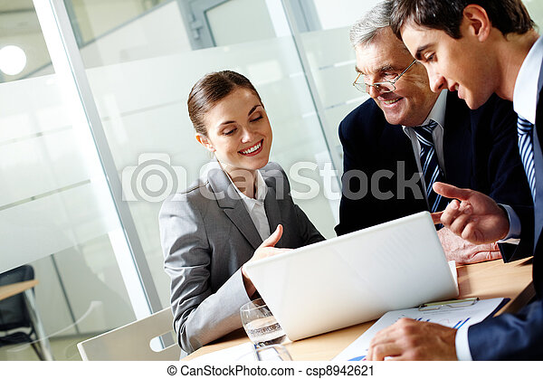 consultant, bureau - csp8942621