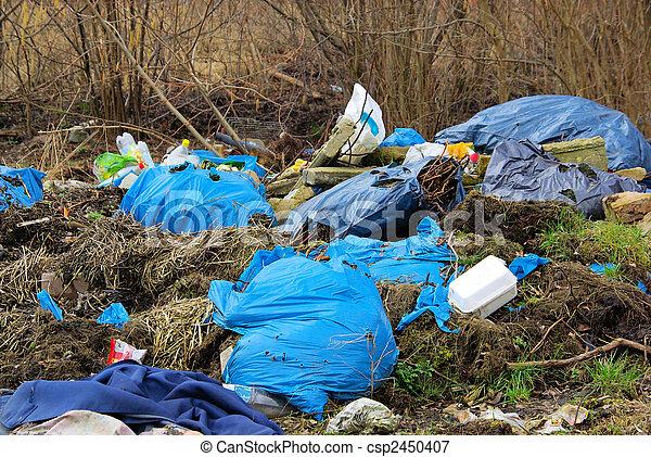 décharge ordures, 04 - csp2450407