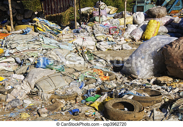 décharge ordures - csp3962720