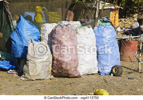 décharge ordures - csp4113750