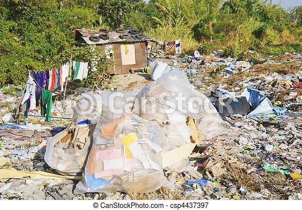 décharge ordures - csp4437397