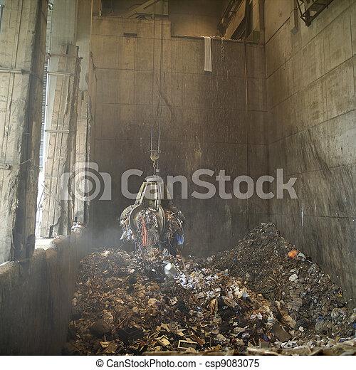 décharge ordures - csp9083075