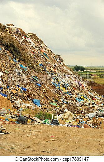 décharge ordures - csp17803147