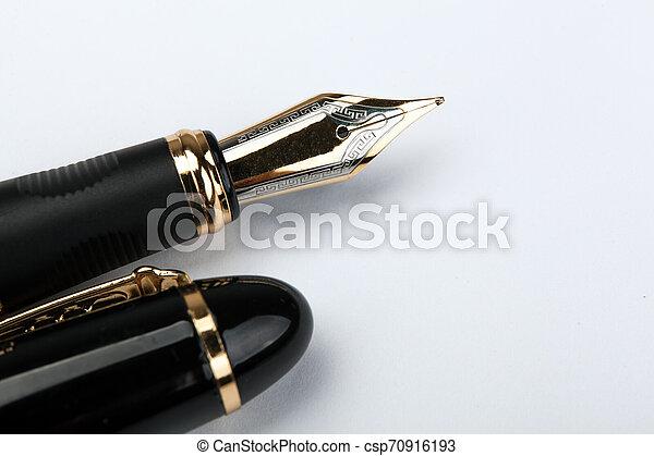 doré, stylo, papier, fontaine, blanc - csp70916193