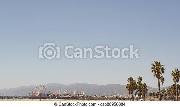 esthétique, symbole, los, ferris, californie, angeles, espace, iconique, paume, roue, jetée, océan, ca, plage, amusement, santa monica, pacifique, vue, arbres, été, copie, usa, parc, resort., ciel, classique - csp88956884