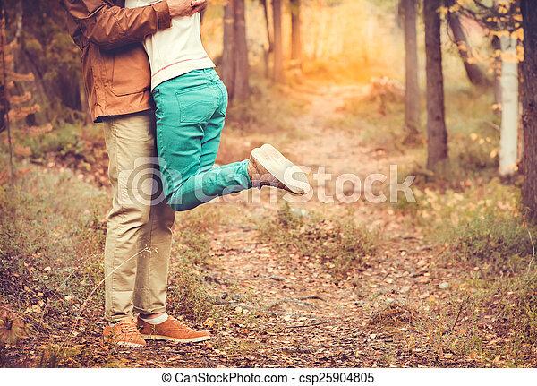 extérieur, nature, branché, romantique, style, étreindre, style de vie, mode, relation, fond, femme homme, amour, couple, concept - csp25904805
