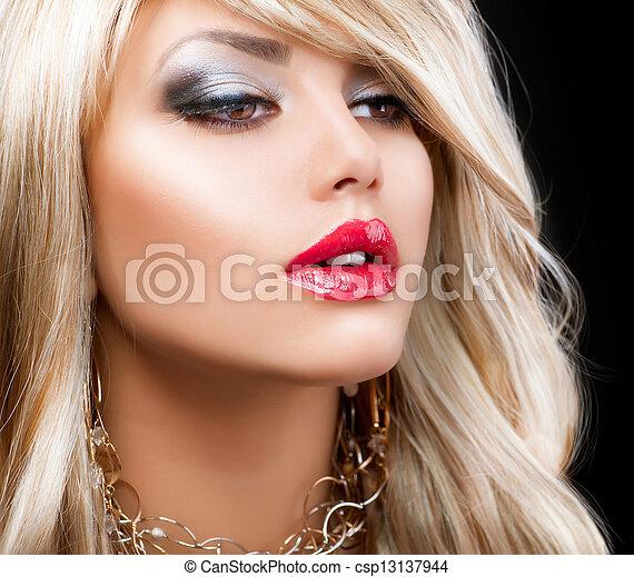 femme, cheveux façonnent, portrait., blonds, blond - csp13137944
