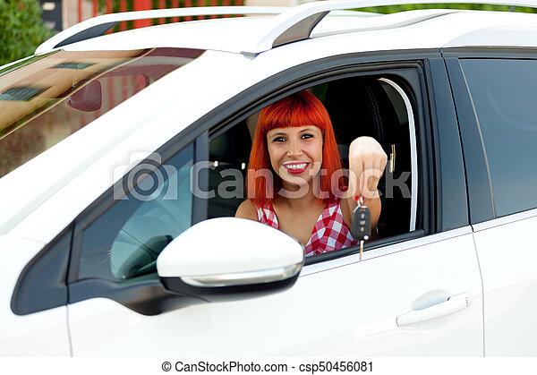 femme, elle, chevelure, voiture, nouveau, rouges - csp50456081
