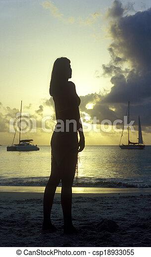 femme, plage - csp18933055