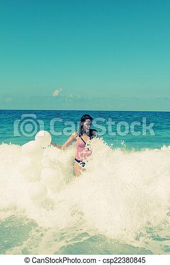 femme, plage - csp22380845