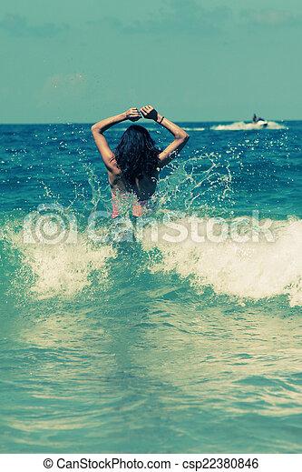 femme, plage - csp22380846