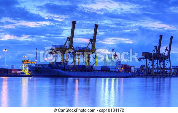 fonctionnement, crépuscule, logistique, bateau, fond, chantier naval, exportation, récipient, fret, importation, grue, pont, cargaison - csp10184172