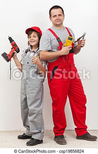 garçon, sien, père, travail, quelques-uns, portion, électrique - csp19856824