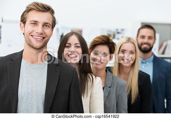 heureux, motivé, equipe affaires - csp16541922