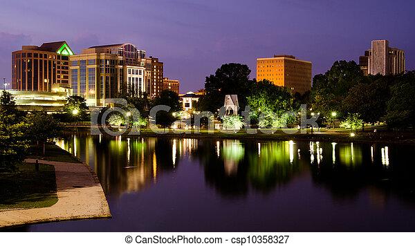 huntsville, printemps, après, parc, scène, en ville, alabama, coucher soleil, grand, cityscape - csp10358327