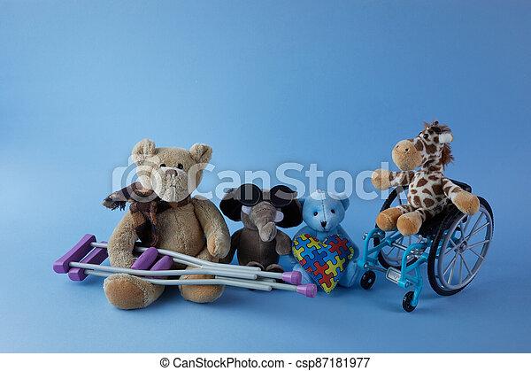 incapacités, personnes, signe bleu, jour, international, jouets, disabilities., fauteuil roulant, arrière-plan., différent - csp87181977