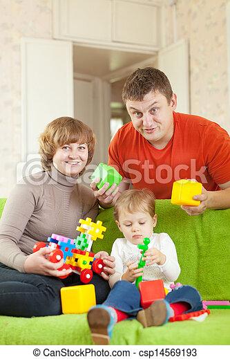 jeux, famille heureuse, maison - csp14569193