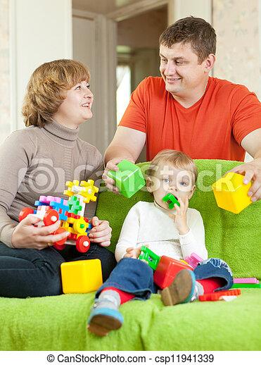 jeux, famille heureuse, maison - csp11941339