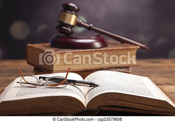 justice!, maillet - csp23579808