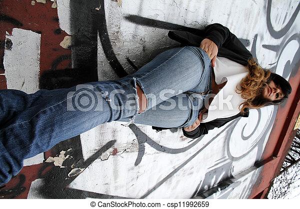 mur, girl, penchant - csp11992659