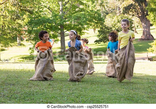 parc, avoir, enfants, course, sac - csp25525751